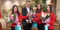 Avrupa 3.sü Milli Sporcular Yurda Döndü