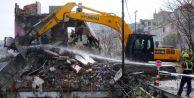 Bağlarbaşı Mahallesinde Kentsel Dönüşüm İçin Riskli Binalar Hızla Yıkılıyor