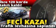 Bayrampaşa'da Lüks otomobil trafik levhasına saplandı