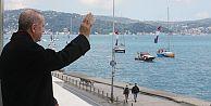 Boğaz'da fetih coşkusu... Tekneler bayraklarla geçiş yaptı
