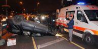 Çarpışan iki araç metrobüs yoluna girdi: 2 yaralı