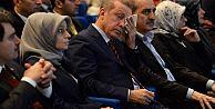 Erdoğan 28 Şubat sunumunda gözyaşlarını tutamadı