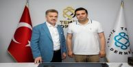 Gaziosmanpaşa Belediye Başkanı Usta,Bilal Ay'ı Ziyaret etti.