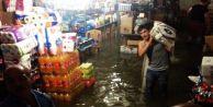 Gaziosmanpaşa'da İş Yerleri Sular Altında Kaldı...