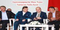 Gaziosmanpaşa'da Masa Tenisi Turnuvası Nefes Kesti