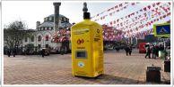 Gaziosmanpaşa'da sokak hayvanları için çevreci mama makinesi