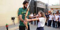 Gaziosmanpaşa'lı Gençler Okçuluk Eğitimiyle Hedefi 12'den Vuracak