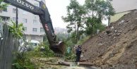 GOP'ta Yağmur İstinat Duvarını Yıktı,Ağaçları Devirdi, Ağaçlar Telleri Kopardı