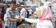 İstanbulda 6 ton hamsi dağıtıldı