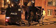 İstanbul'da Dev Terör Baskını! Maskeli Grup TIR'la Barikat Kurdu