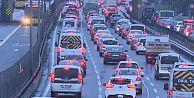 İstanbul'da sokak kısıtlaması öncesi trafik yoğunluğu