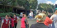 Kadıköy'de bir AVM'de teknik arıza paniğe neden oldu