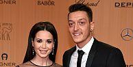 Mesut Özil'in eski aşkı Amine Gülşe'yi kızdırdı