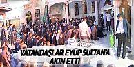 Miraç Kandili'nde vatandaşlar Eyüp Sultan Camii'ne akın etti