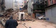 Taksim'de beş katlı bina çöktü