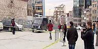 Taksim'de polis noktasına saldırı!