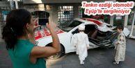 Tankın ezdiği otomobil Eyüp'te sergileniyor