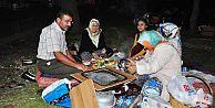 Vatandaşlar son sahuru Eyüp Sultan Camii'nde geçirdi