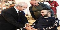 Kılıçdaroğlu, Serseri Kurşunun Felç Ettiği Lise Öğrencsi Ahmet Emre'yi Ziyaret Etti