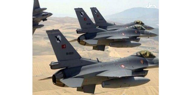 Türk jetleri K.Irak'ta PKK'yı bombaladı