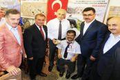 Başkan Usta, Feshane'deki Balıkesir Günleri'ni ziyaret etti