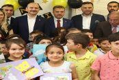 Bakan Soylu Gaziosmanpaşa'da Öğrencilerin Karne Heyecanına Ortak Oldu