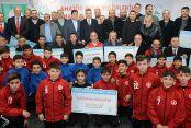 Gaziosmanpaşa Belediyesi'nden Spor Kulüplerine 200 Bin Lira Nakdi Yardım