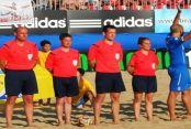 Dünyanın İlk Kadın Plaj Futbol Hakemi Eyüp'ten