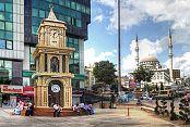 Küçükköy Meydanı Saat Kulesi'yle bir başka güzel