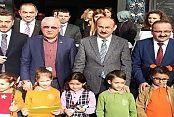 Başkan Usta, Minik Öğrencilerle Birlikte Şarkı Söyledi
