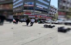 Sultangazi'de motosikletle otomobilin çarpıştığı kaza kamerada!