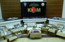 Gaziosmanpaşa ve Fatih'te 10 bin 634 kaçak cep telefonu ele geçirildi