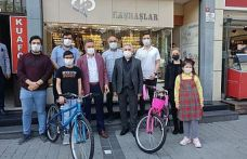 Murat Haşhaş ve Başkan Usta'dan Dünya Bisiklet Günü'nde gençlere hediye!