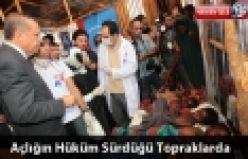 Başbakan Recep Tayyip Erdoğan ve eşi Emine Erdoğan Somali'de çadırkentleri ziyaret etti.