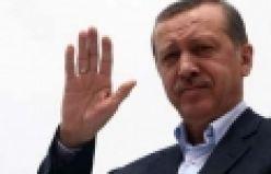 Başbakan Recep Tayyip Erdoğan ve ailesi Melih Gökçek ve Suat Kılıç Kabe'yi tavaf ederken görüntülendi