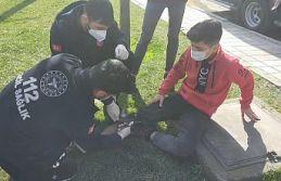 Sultangazi'de kısıtlama saatlerinde bacağından bıçaklandı
