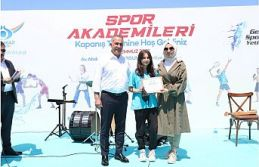 Sultangazi'nin Yetenekli Genç Sporcuları Sertifikalarını Aldı