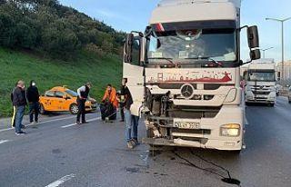 Gaziosmanpaşa'da feci kaza. TIR, taksiye çarptı,...
