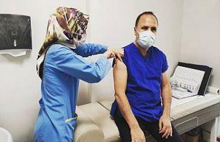 Gaziosmanpaşa İlçe Başkanı Fatih Aydemir, aşı...
