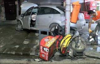 Sultangazi'de Akılalmaz kaza Otomobile, motosiklete,...