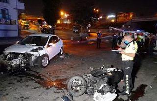 Gaziosmanpaşa'da motosiklet ile otomobil çarpıştı:...
