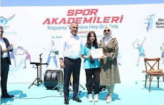 Sultangazi'nin Yetenekli Genç Sporcuları Sertifikalarını...