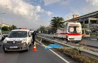 Bayrampaşa'da yolcu otobüsü yayaya çarptı:...