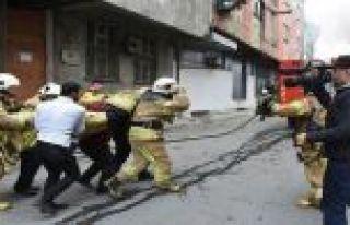 Bayrampaşa'da iplik fabrikasında yangın!