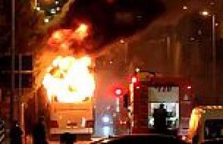 Bayrampaşa'da korkunç anlar! Otobüs bir anda yanmaya...