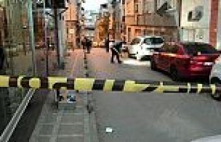 Bayrampaşa'da silahlı kovalamaca! Bir kadın vuruldu.