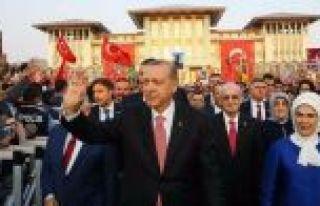 Cumhurbaşkanı Erdoğan:15 Temmuz'un kahramanı...