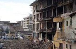 Diyarbakır'da bombalı saldırı ölü ve yaralılar...