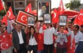 Diyarbakır'da 'Teröre Lanet' yürüyüşü düzenlendi