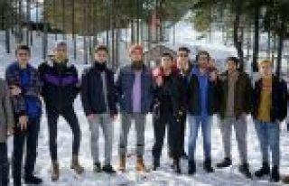 Eyüpsultanlı Gençler, 2020 Kış Kampı'nda Kefken'de...